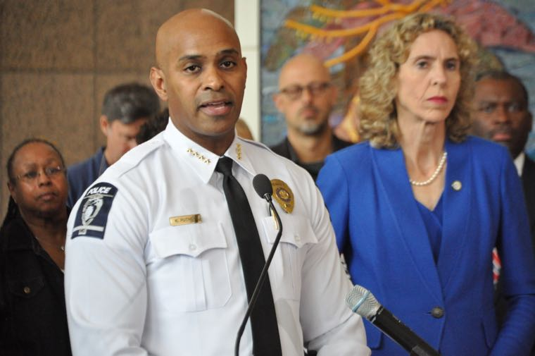 Mayor Jennifer Roberts, flanked by other elected officials and community leaders, addresses the media following a night of clashes between police and protesters in north Charlotte after a CMPD officer shot and killed a man who, according to Chief Kerr Putney, was carrying a gun. (Photo: Qcitymetro)