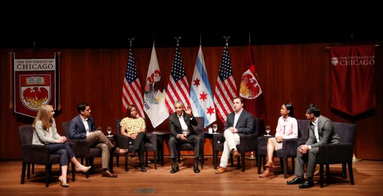 Former U.S. President Barack Obama (C) meets with youth leaders Kelsey McClear (L) from Loyola University, Ramuel Figueroa (2nd L) from Roosevelt University, pharmacist Dr. Tiffany Brown (3rd L), Max Freedman (3rd R) from University of Chicago, Ayanna Watkins (2nd R) from Kenwood High School and Harish Patel (R) from New America Foundation at the Logan Center for the Arts at the University of Chicago to discuss strategies for community organization and civic engagement in Chicago, Illinois, U.S., April 24, 2017. REUTERS/Kamil Krzaczynski REUTERS/Kamil Krzaczynski