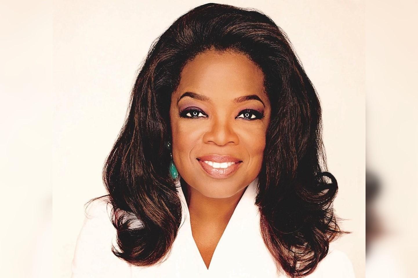 Oprah-Winfrey-UNCF-luncheon-keynote-speaker