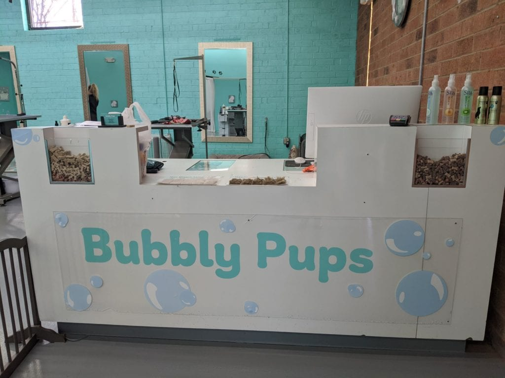 Bubbly-Pups-signage