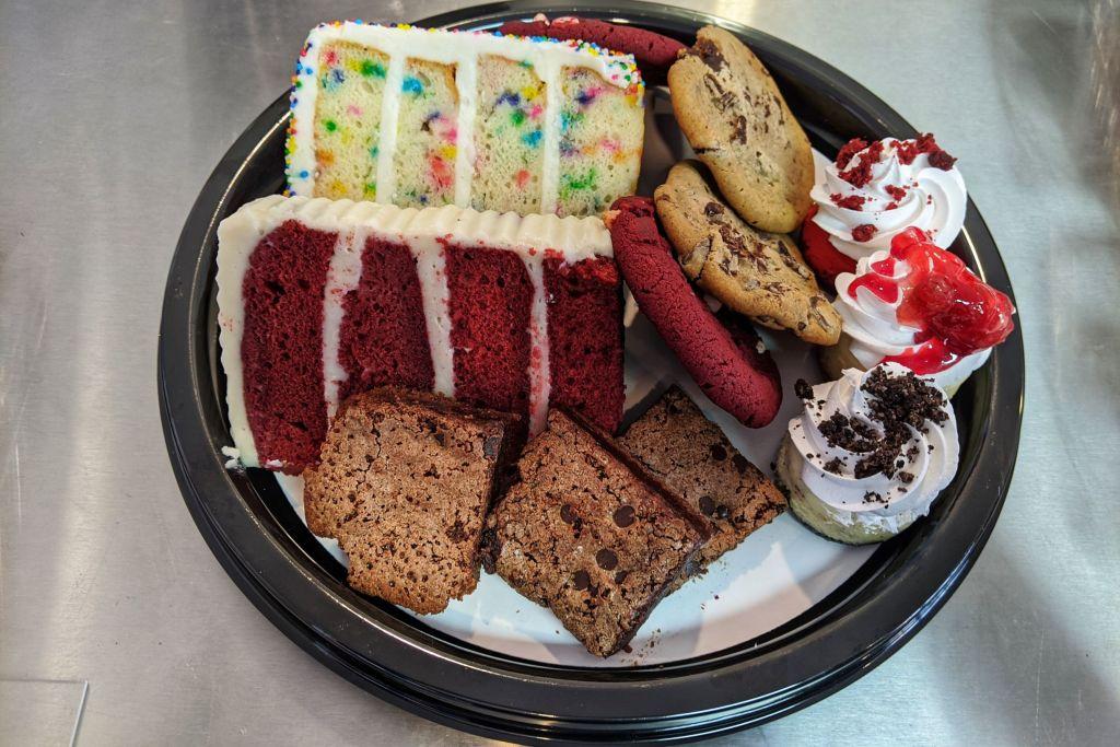 BW-Sweets-Bakery-birthday-box