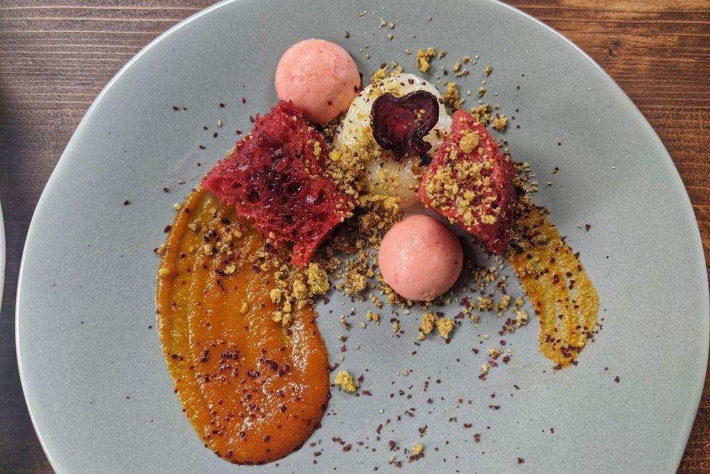 Beetroot-sponge-cake-young-gunz-dinner