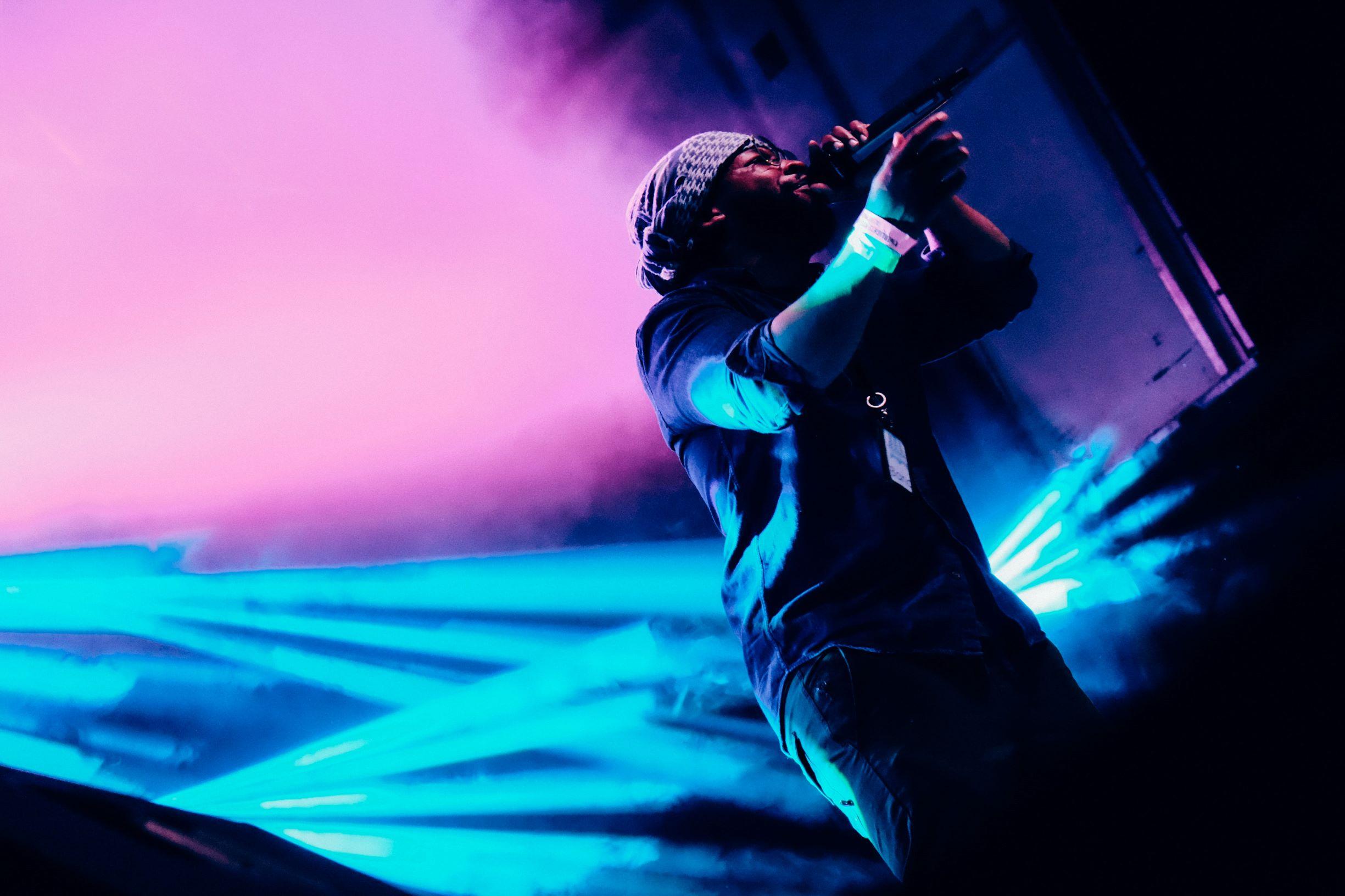 Hip-hop-performer