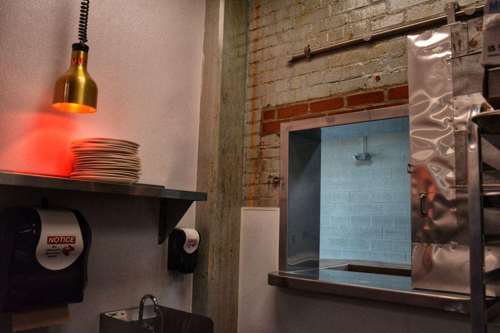 Leah-Louise-window-Free-Range-Brewing