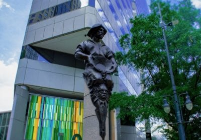 Trade-statue-in-Uptown-Charlotte