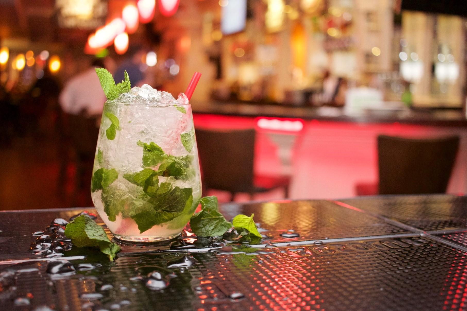 alcohol-alcoholic-bar-beverage