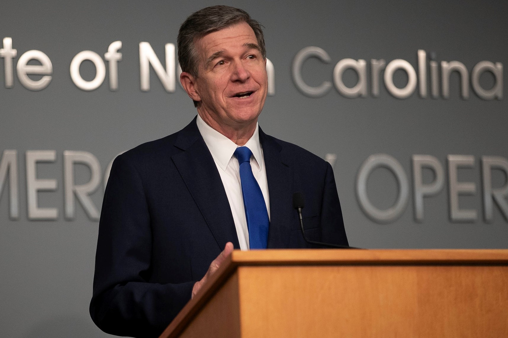 Roy-Cooper-press-conference-062420