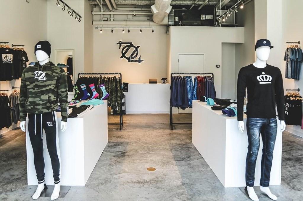 704-Shop